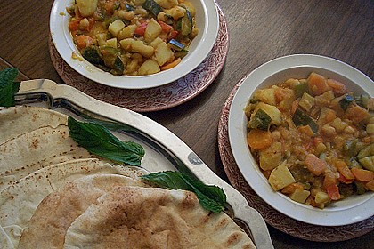 Gemüse - Kartoffel - Tajine mit Harissa 2