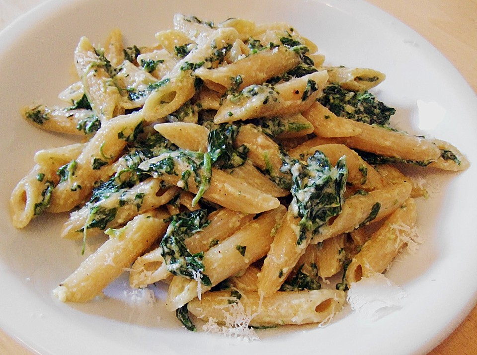 Spaghetti in Spinat - Ricotta - Sauce (Rezept mit Bild ...