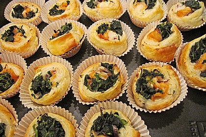 Blätterteigtaler mit Spinat und Räucherlachs 2