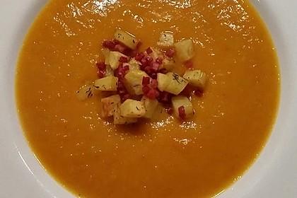 Kürbis - Apfel - Suppe mit Kartoffel - Speck - Croûtons 7