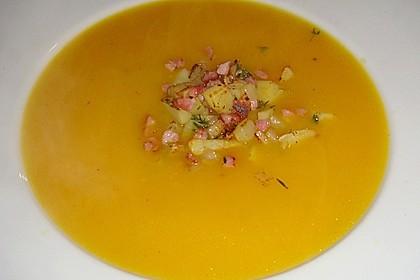Kürbis - Apfel - Suppe mit Kartoffel - Speck - Croûtons 10