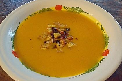 Kürbis - Apfel - Suppe mit Kartoffel - Speck - Croûtons 4