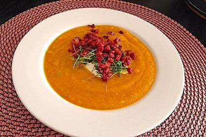 Kürbis - Apfel - Suppe mit Kartoffel - Speck - Croûtons 5