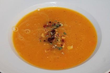 Kürbis - Apfel - Suppe mit Kartoffel - Speck - Croûtons 9