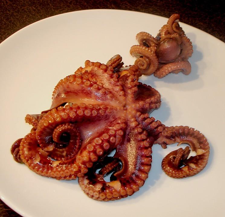 oktopus auf galicische art rezept mit bild von justbuildit. Black Bedroom Furniture Sets. Home Design Ideas