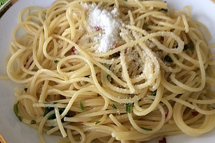 Spaghettini aglio, olio e peperoncino 23