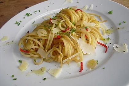 Spaghettini aglio, olio e peperoncino 14