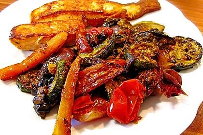 Antipasti von Karotten, Fenchel, Zucchini, Auberginen und Zwiebeln