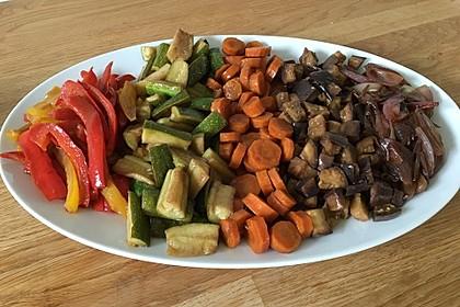 Antipasti von Karotten, Fenchel, Zucchini, Auberginen und Zwiebeln 1
