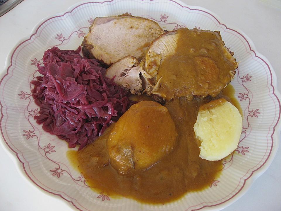 Sauce Für Schweinebraten : schweinebraten in apfel zwiebel preiselbeer sauce von silviafiedler ~ Yuntae.com Dekorationen Ideen