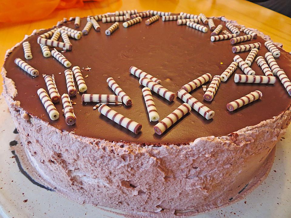 Schoko sahne torte mit fruchten