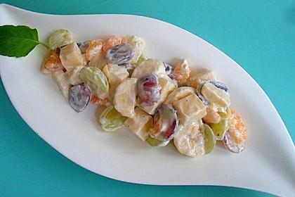 Käsesalat mit Früchten
