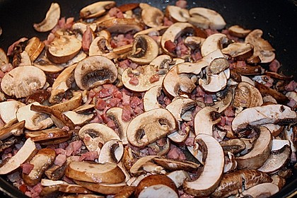 Pizza al Funghi e Pancetta 3