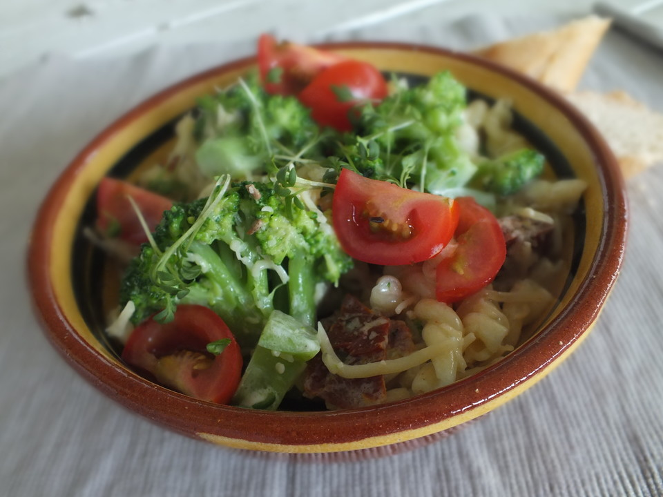 penne brokkoli salat rezept mit bild von feuermohn. Black Bedroom Furniture Sets. Home Design Ideas