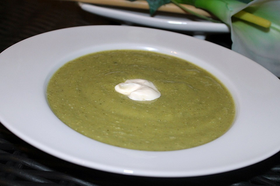 rezept brokkoli frischk se suppe. Black Bedroom Furniture Sets. Home Design Ideas