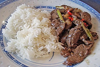 Rindfleisch mit Austernpilzen und Frühlingszwiebeln 2