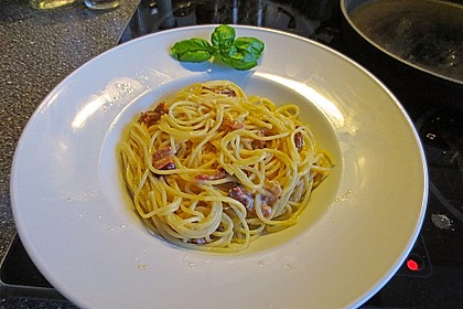 Spaghetti Carbonara, mal ohne Sahne 4