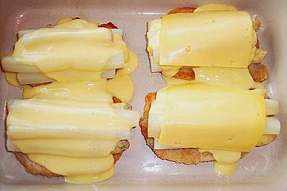 Schnitzel mit Spargel und Käse überbacken 3
