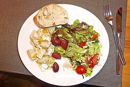 Griechischer Salat mit Hähnchen