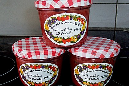 Erdbeermarmelade mit weißer Schokolade 2