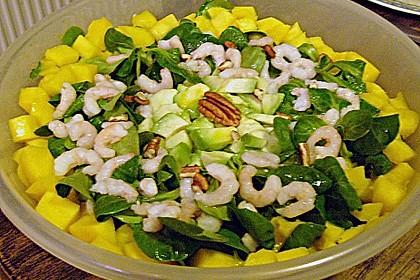 Feldsalat mit Krabben an Orangendressing