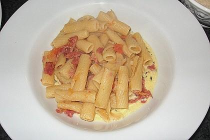 Pasta mit Schinken und Spinat in Thymiansauce 5