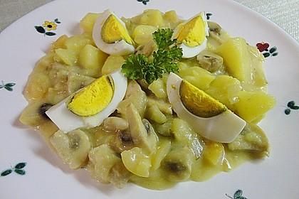 Eier auf Kartoffeln und Champignons 3