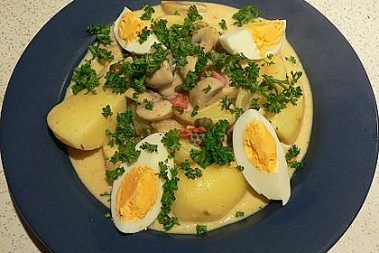 Eier auf Kartoffeln und Champignons 1