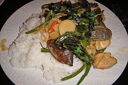 Thailändische Wokpfanne mit Kokosmilch 32