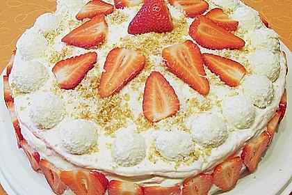 Erdbeer-Raffaello-Torte 200