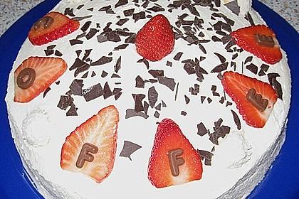 Erdbeer-Raffaello-Torte 156