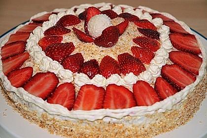 Erdbeer-Raffaello-Torte 120