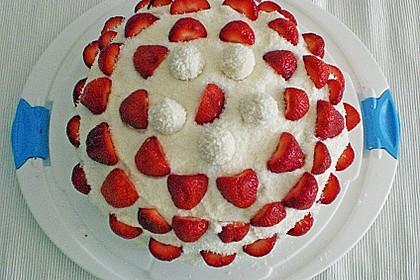 Erdbeer-Raffaello-Torte 147