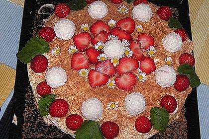 Erdbeer-Raffaello-Torte 35