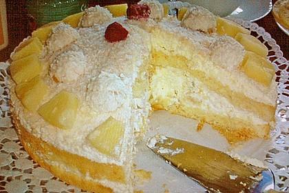 Erdbeer-Raffaello-Torte 157