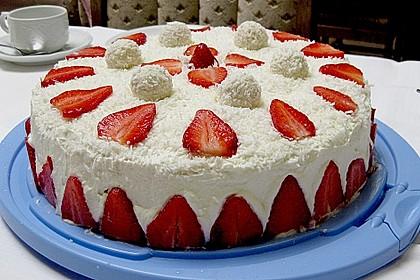 Erdbeer-Raffaello-Torte 14