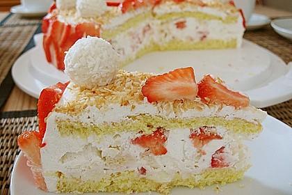 Erdbeer-Raffaello-Torte 32