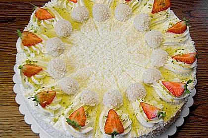 Erdbeer-Raffaello-Torte 24