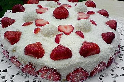 Erdbeer-Raffaello-Torte 31