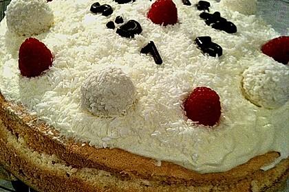 Erdbeer-Raffaello-Torte 152