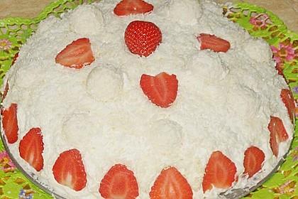 Erdbeer-Raffaello-Torte 219