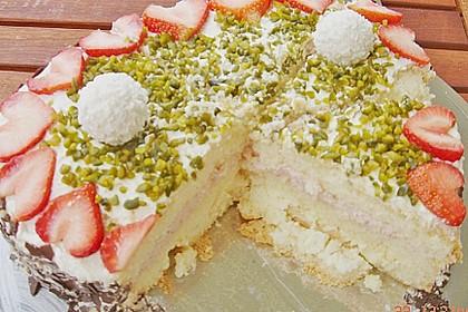 Erdbeer-Raffaello-Torte 165