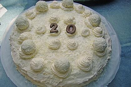 Erdbeer-Raffaello-Torte 135