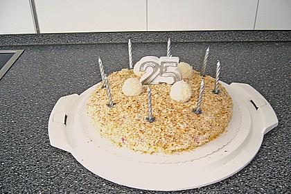 Erdbeer-Raffaello-Torte 208