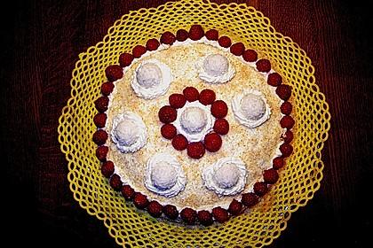 Erdbeer-Raffaello-Torte 186
