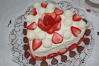 Erdbeer-Raffaello-Torte 27