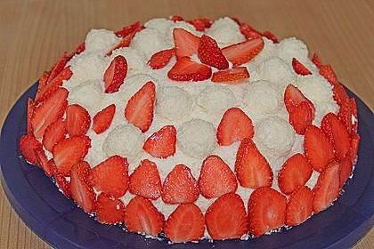 Erdbeer-Raffaello-Torte 68