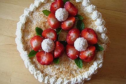 Erdbeer-Raffaello-Torte 101