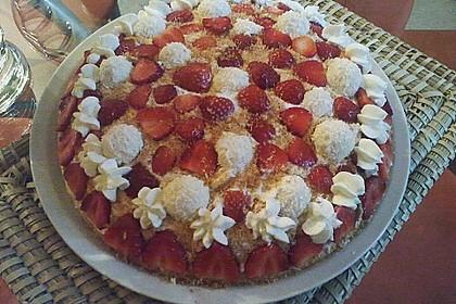 Erdbeer-Raffaello-Torte 203