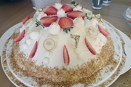 Erdbeer-Raffaello-Torte 36